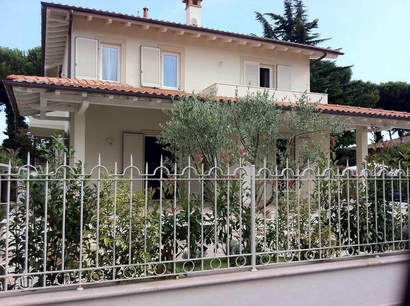 Marina di Pietrasanta, Tonfano Villa Nuova in Affitto