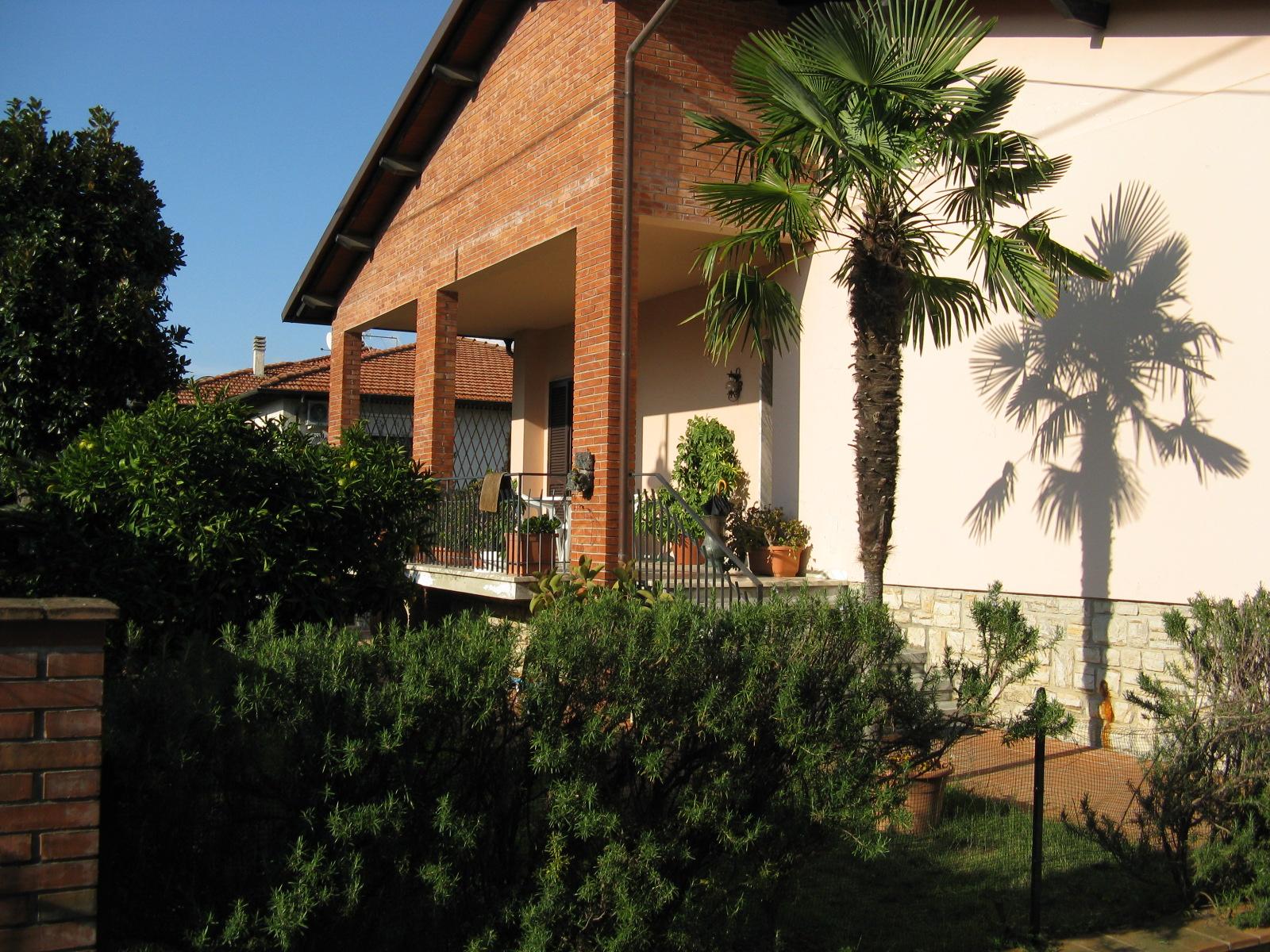 Ampia Villa a Querceta