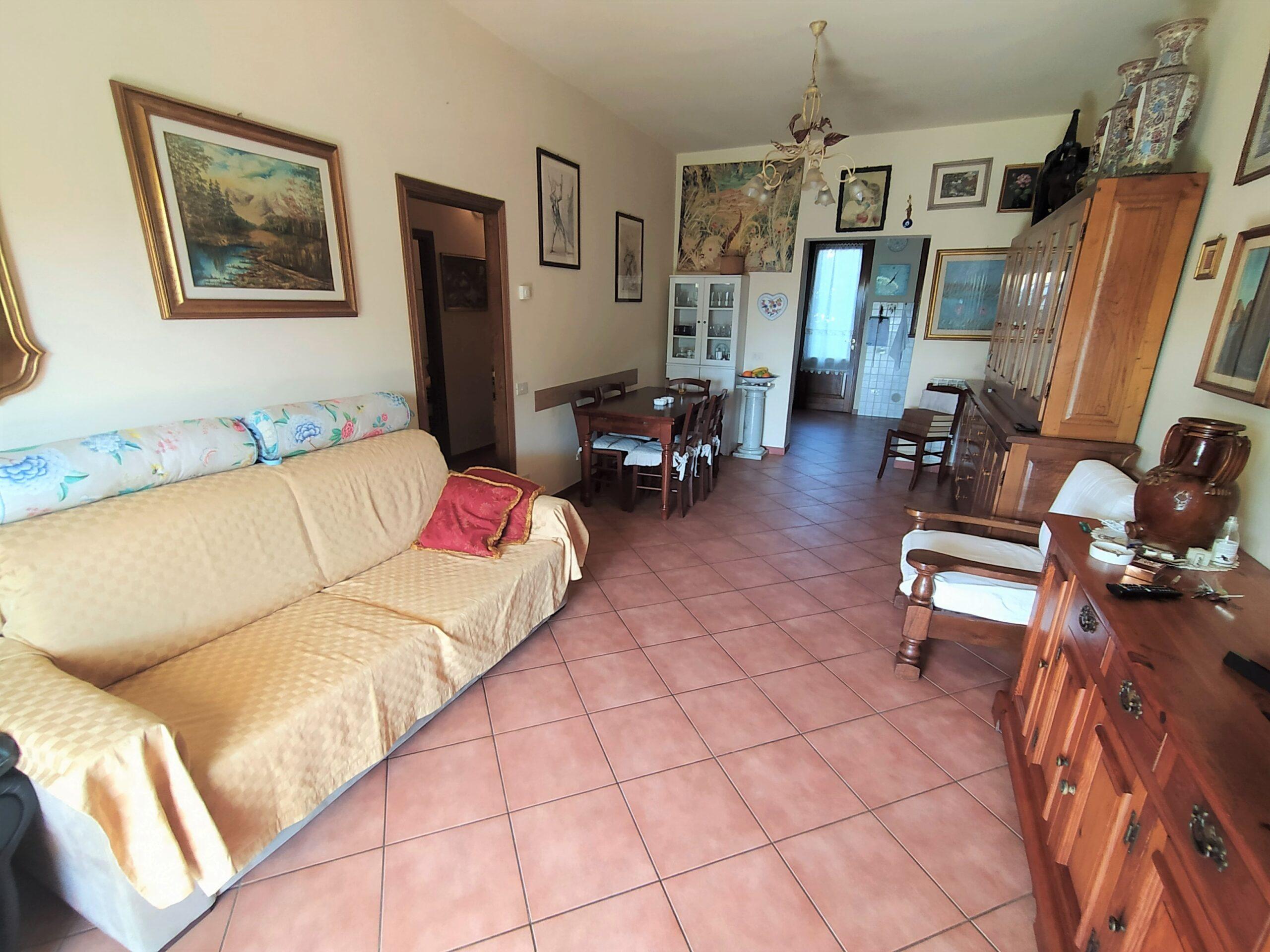 Appartamento Piano Terra al confine tra Forte dei Marmi e Querceta. Disponibile Virtual Tour