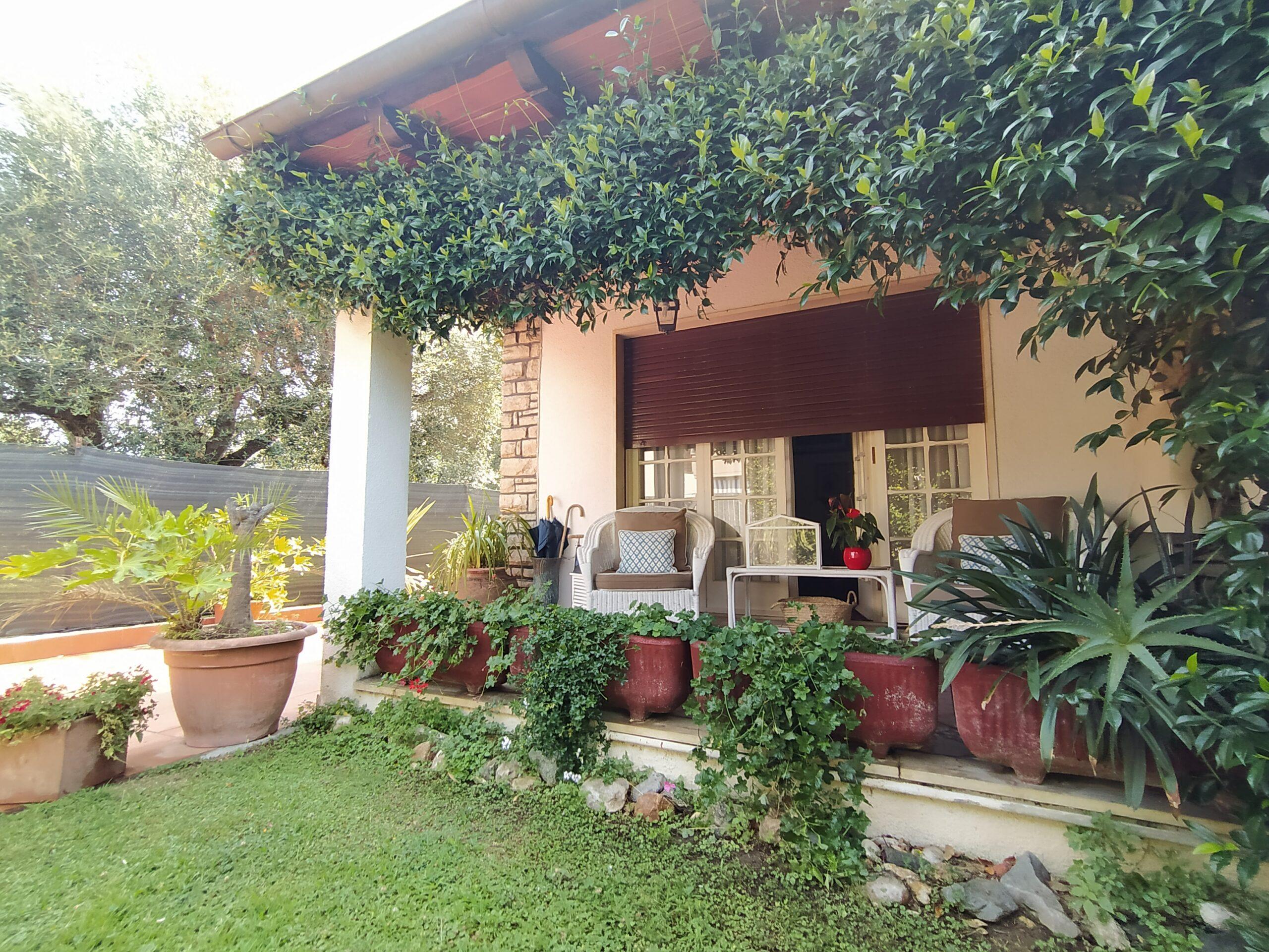 Villa Bifamiliare disposta su un Unico Piano a Querceta, loc. Ponte di Tavole.